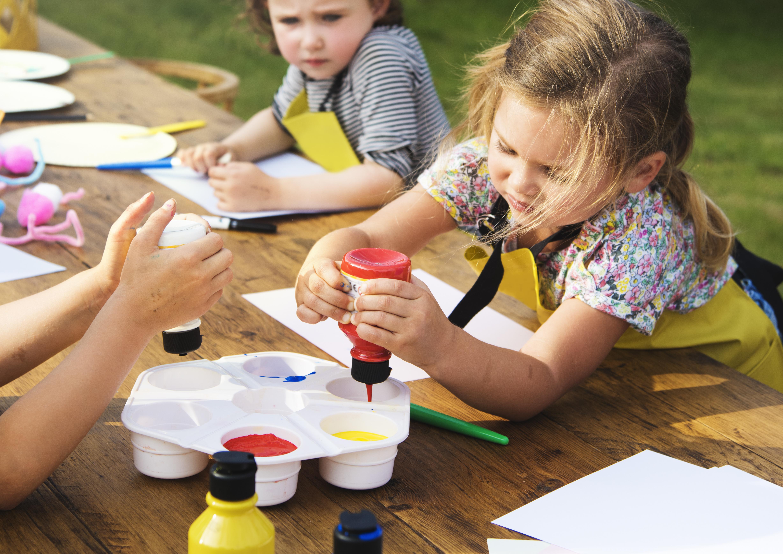 KIDS ART CLASS